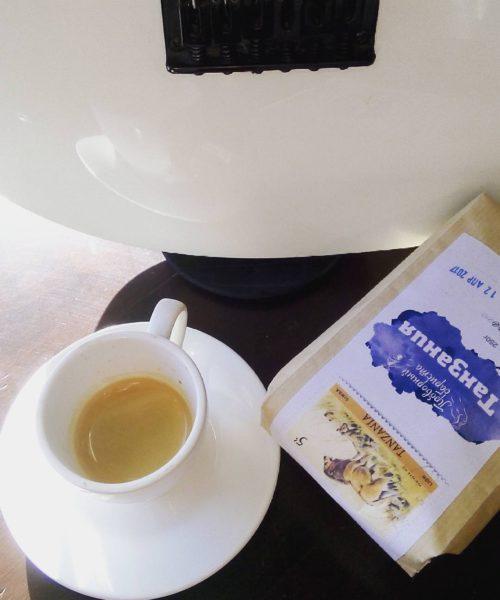 кофе в зернах и молотый танзания